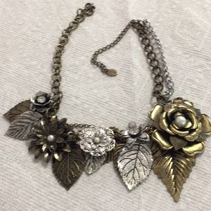 Lane floral bib necklace